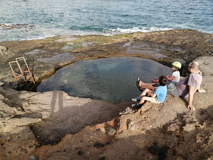 La Jaca – barrio costero con jacuzzi natural