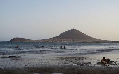 El Médano, playa surfista por excelencia y amiga de las campers
